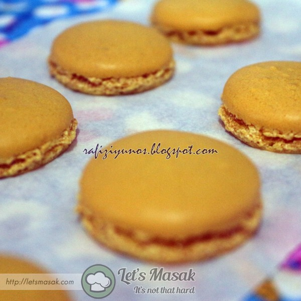 Macaron Kuning