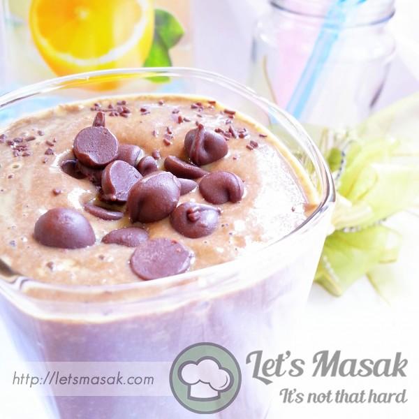 Chocolate Mint Mango Smoothie