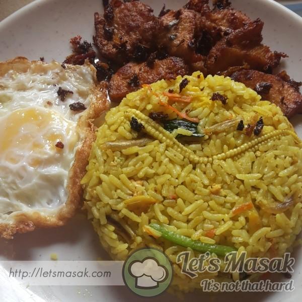 Nasi Goreng Minang & Ayam Goreng Berempah