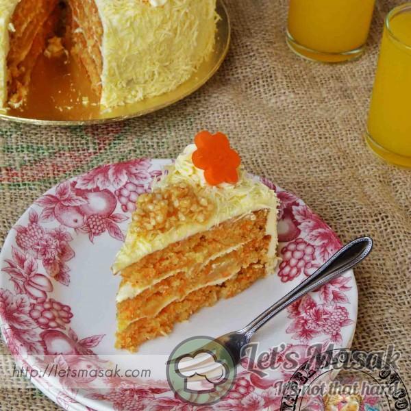 Cheezy Crunchy Carrot Cake