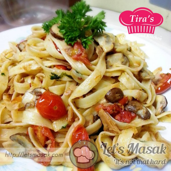 Fettuccine Pasta With Chilli Tuna & Swiss Brown Mushroom