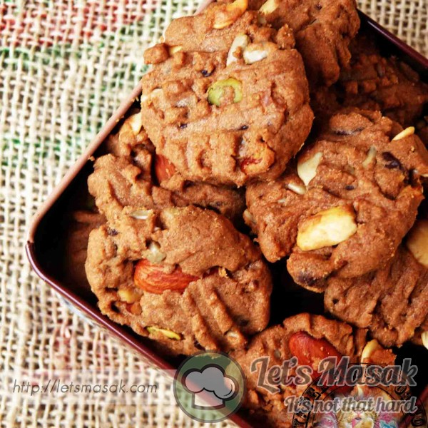 Mix Nuts Coffee Chocolate Chip Cookies