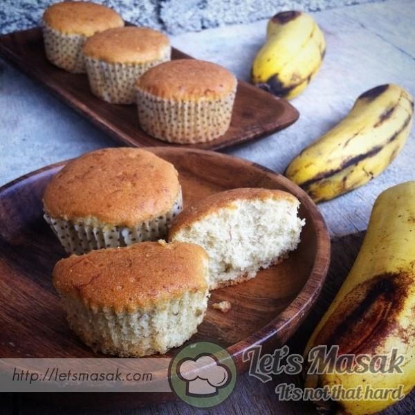 Fluffy Banana Cupcakes