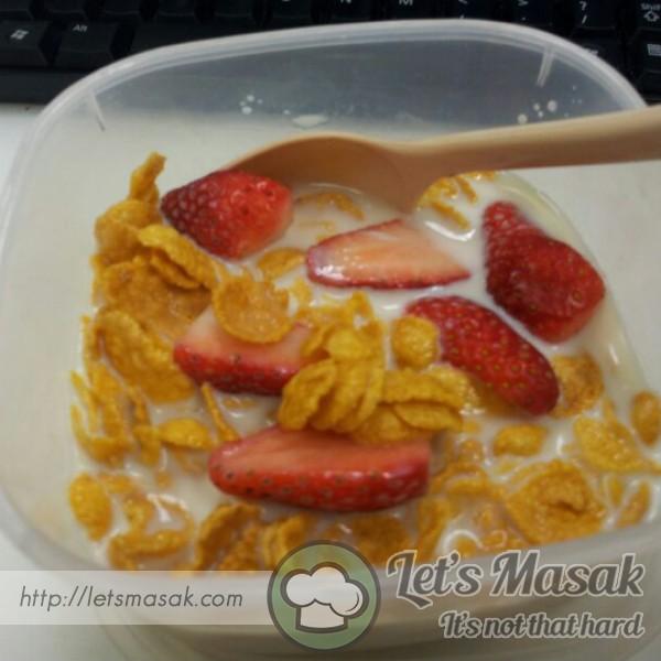 Cornflakes Madu Strawberi