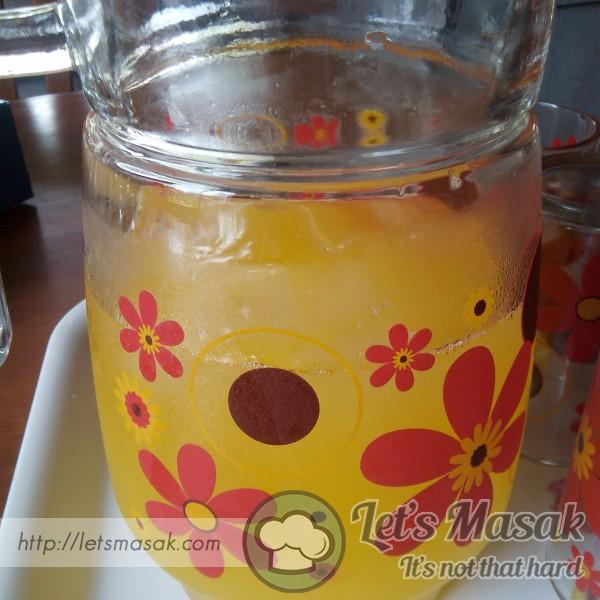Air Minuman Tropika