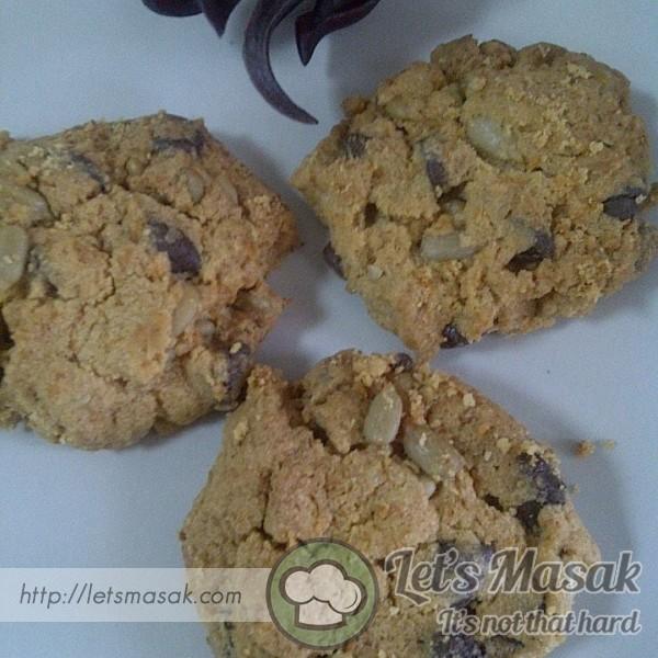 Munchy Crunchy Cookies