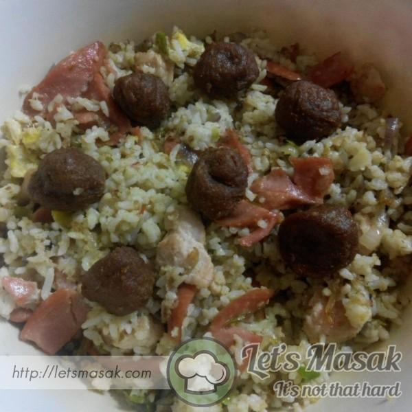 Nasi Goreng Meatball