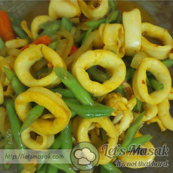 Sotong Goreng Kunyit Dengan Sayuran
