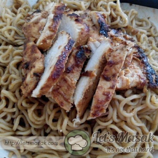 Maggie Goreng Bersama Ayam Grilled