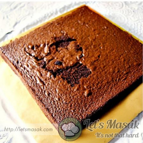 Baked Moist Chocolate Cake