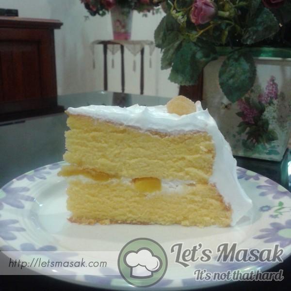 Lemon Sponge Cake With Lemon Cream