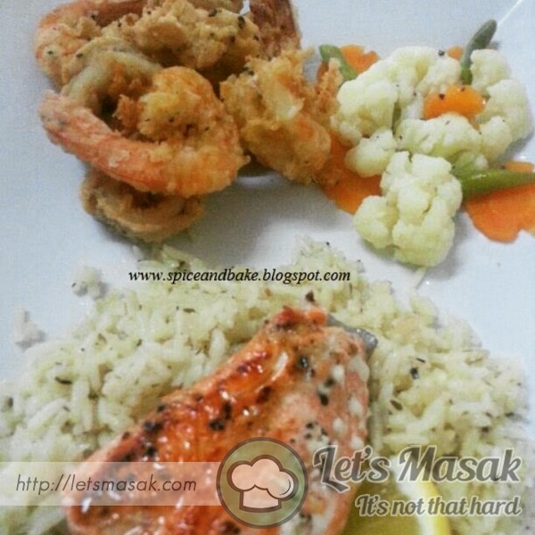 Seafood Garlic Rice With Vegetables
