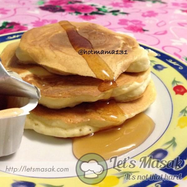 Buttermilk Pancake Bersama Syrup Maple