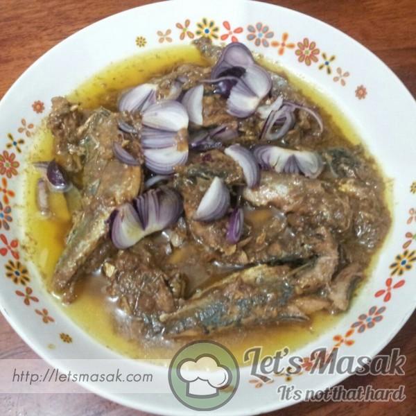Ikan Basong Masak Asam Kunyit Goreng