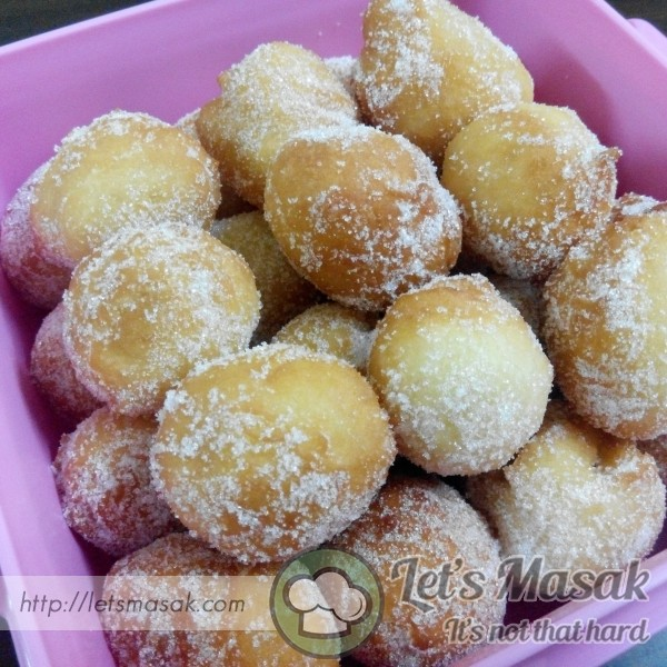 Doughnut Ball Misz Berry