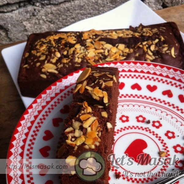 Chocolate Loaf Cake With Almond Slice
