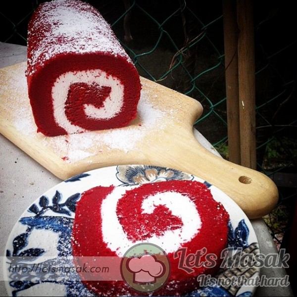 Red Velvet Cake Roll With Cream Cheese Filling