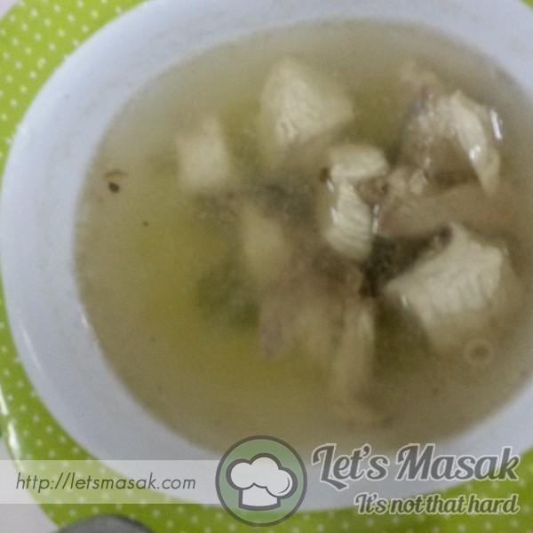Sup Ayam Simple Untuk Si Kecil
