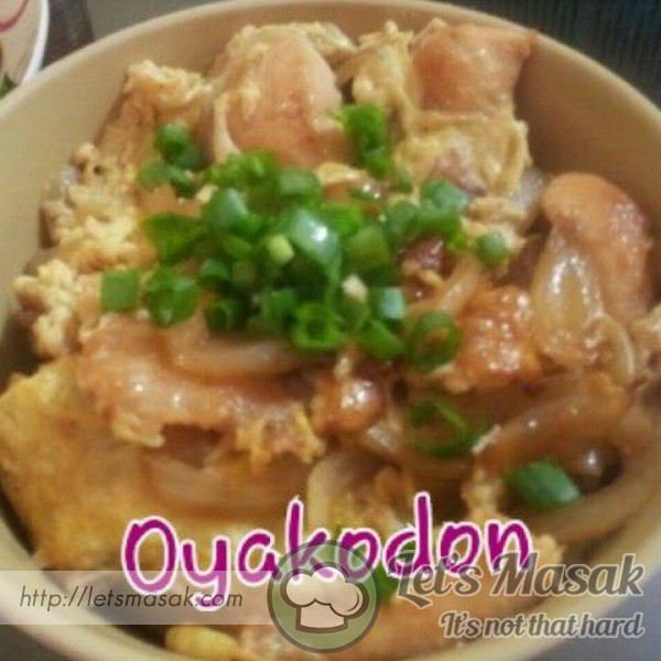 Oyakodon ( Chicken And Egg Rice Bowl )