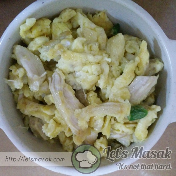 Scramble Egg With Shredded Chicken