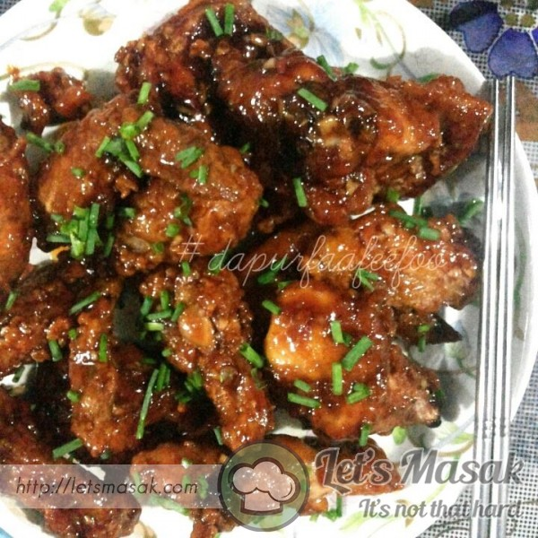 Korean Fried Chicken Wings (Dakgangjeong)