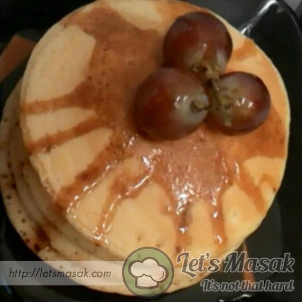 Pancakes Karamel Dan Anggur