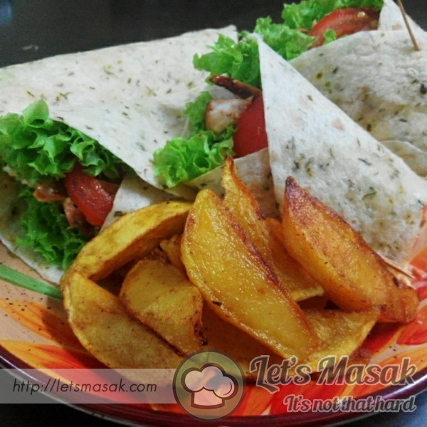 Bbq Chicken Wrap With Potato Wedges