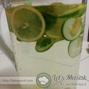 Detox Drinks With Cucumber, Lemon And Mints