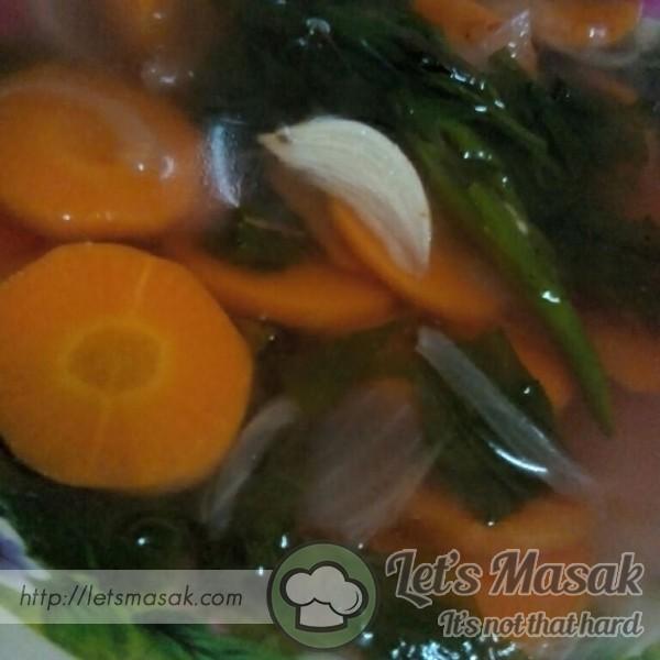 Sup Bayam Lobak Merah