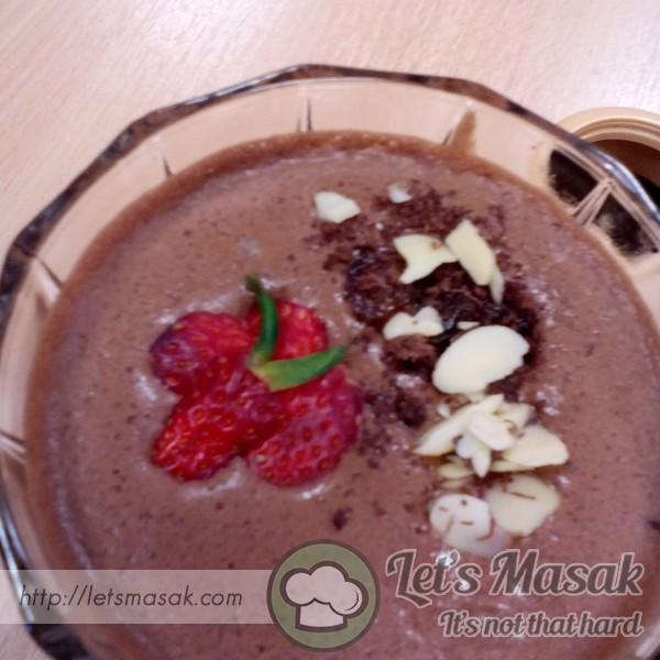 Chocolate Mousse & Fruit Nut Sundae
